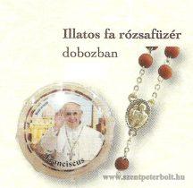 Illatos rózsafüzér Ferenc pápa